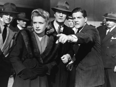 SABOTEUR, 1942 directed by ALFRED HITCHCOCK Priscilla Lane / Robert Cummings (b/w photo)