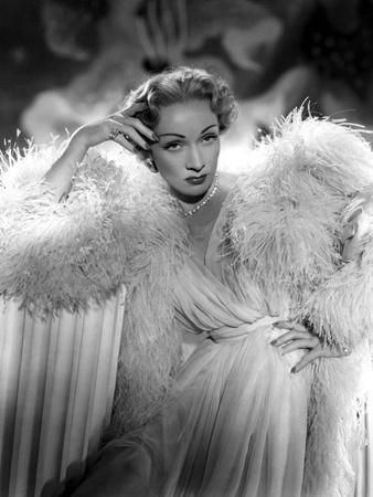 Le grand alibi STAGE FRIGHT by Alfred Hitchcock with Marlene Dietrich, 1950 (Costumes par Christian