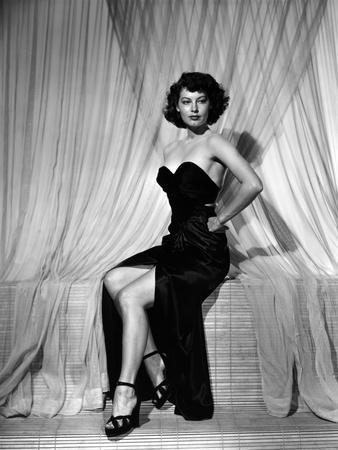 SINGAPORE, 1947 directed by JOHN BRAHM Ava Gardner (b/w photo)