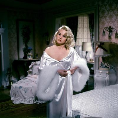 Les Ambitieux THE CARPETBAGGERS by Edward Dmytryk with Carroll Baker, 1964 Baker (photo)
