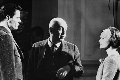 Le realisateur Otto Preminger,Tom Tryron and Romy Schneider sur le tournage du film Le Cardinal THE