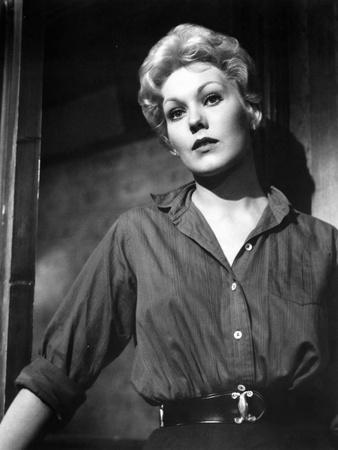 L'Homme au bras d'or THE MAN WITH THE GOLDEN ARM by Otto Preminger with Kim Novak, 1955 (b/w photo)