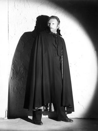 Le Fantome by l'Opera THE PHANTOM OF THE OPERA by Arthur Lubin with Claude Rains, 1943 (b/w photo)
