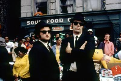 THE BLUES BROTHERS, 1980 directed by JOHN LANDIS John Belushi and Dan Aykroyd (photo)