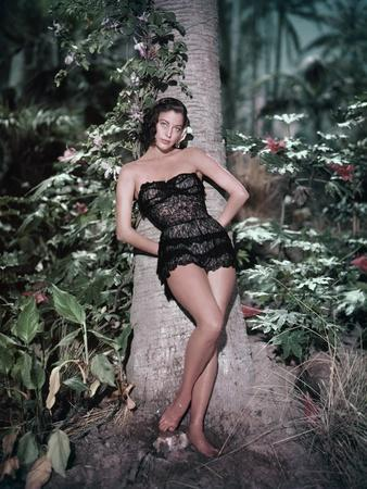La Petite Hutte THE LITTLE HUT by Mark Robson with Ava Gardner (guepiere Dior), 1957 (photo)