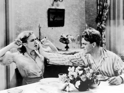 L' Ennemi Public THE PUBLIC ENEMY by William Wellman with James Cagney and Mae Clarke, 1931 (b/w ph