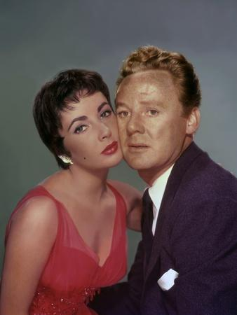 THE LAST TIME I SAW PARIS, 1954 directed by RICHARD BROOKS Elizabeth Taylor / Van Johnson (photo)