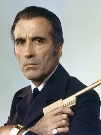 THE MAN WITH THE GOLDEN GUN, 1974 directed by GUY HAMILTON Christopher Lee (photo)