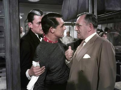 La Main au Collet TO CATCH A THIEF by AlfredHitchcock with Jean Martinelli, Cary Grant etCharles Va