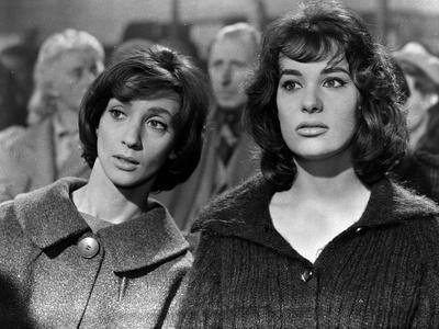 LES BONNES FEMMES (The Good Times Girls) by Claude Chabrol with Clothilde Joano and Bernadette Lafo