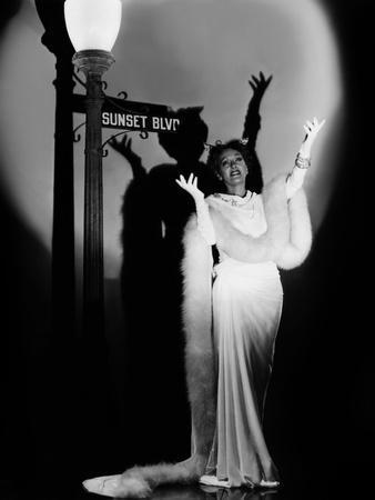 Boulevard du crepuscule SUNSET BOULEVARD by BillyWilder with Gloria Swanson, 1950 (b/w photo)