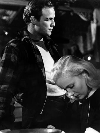 Sur les quais On The Waterfront d' EliaKazan with Eva Marie Saint and Marlon Brando, 1954 Oscar, 19