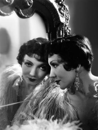 Claudette Colbert en, 1932 (photo)
