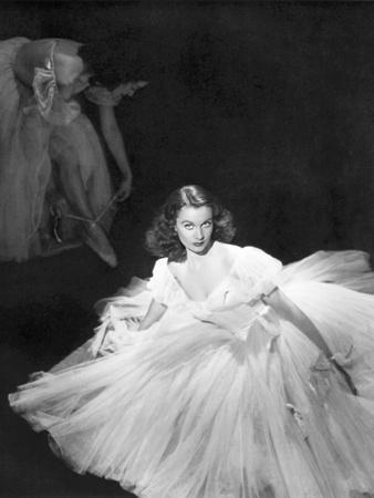 La Valse dans l'ombre WATERLOO BRIDGE by Mervin Leroy with Vivien Leigh, 1940 (b/w photo)
