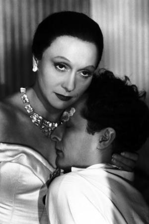 LES ENFANTS DU PARADIS directed by MarcelCarne with Arletty and Jean-Louis Barrault, 1944 (b/w phot