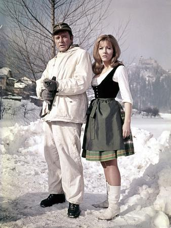 Quand les aigles attaquent WHERE EAGLES DARE by BrianHutton with Richard Burton and Ingrid Pitt, 19