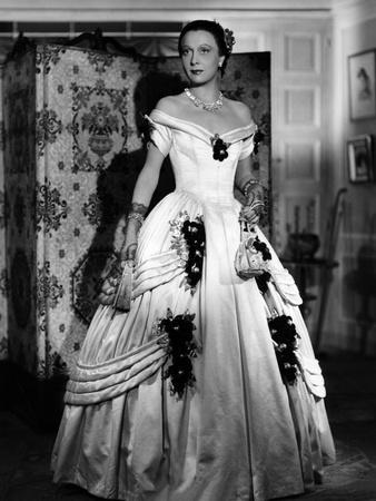 LES ENFANTS DU PARADIS directed by MarcelCarne with Arletty, 1944 (b/w photo)