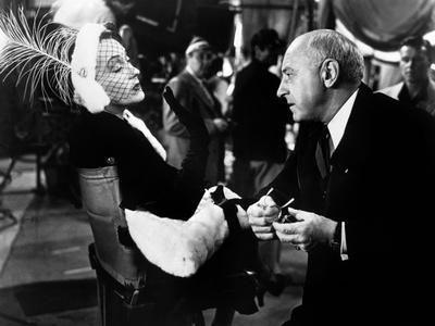 Boulevard du crepuscule SUNSET BOULEVARD by BillyWilder with Gloria Swanson and Cecil B. DeMille, 1
