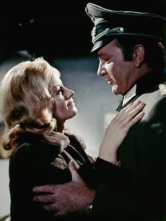 Quand les aigles attaquent WHERE EAGLES DARE by BrianHutton with Mary Ure and Richard Burton, 1968