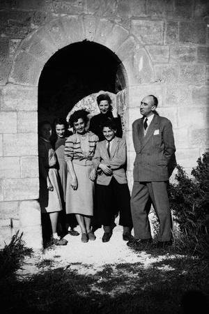 Bernadette Lafont (2nd from l), young, in family with her father (r) and mother (background), Nimes