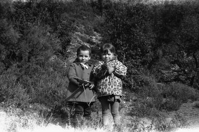 David (l) and Elisabeth (r), children of Bernadette Lafont and Diourka Medveczky, 1963, Nimes, sout