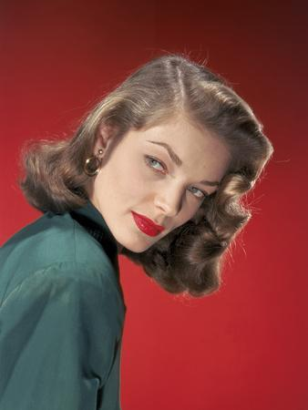Actress Lauren Bacall born September 16th, 1924 in New York as Betty Joan Perske, here 1947 (photo)