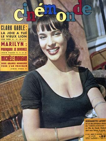 Bernadette Lafont faisant la Une du magazine Cinemonde du 22 novembre, 1960 (photo)