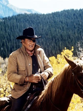Cent Dollars pour un Sherif TRUE GRIT by Henry Athaway with John Wayne, 1969 (photo)