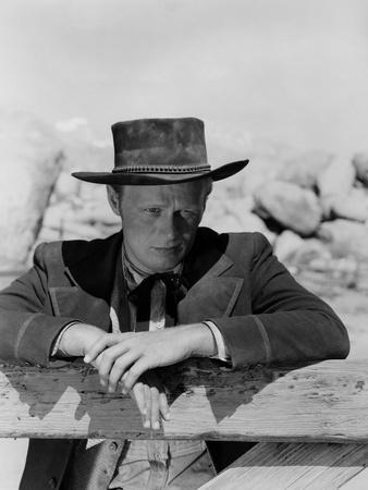 La Ville Abandonnee YELLOW SKY by William Wellman with Richard Widmark, 1948 (b/w photo)