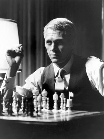 L'Affaire Thomas Crown THE THOMAS CROWN AFFAIR by NormanJewison with Steve Macqueen, 1968 (b/w phot