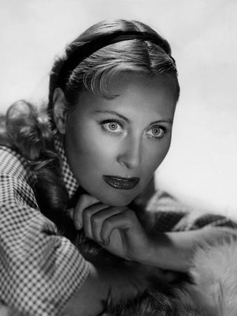 Michele Morgan (b/w photo)