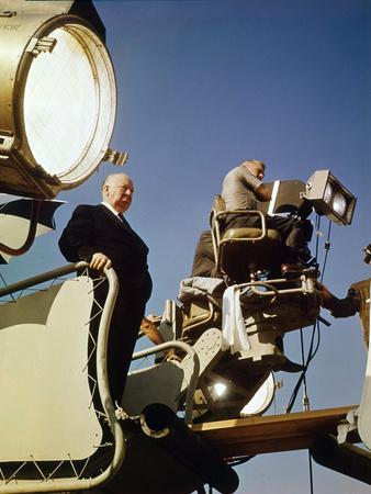 Le realisateur Alfred Hitchcock sur le tournage du film Le Rideau Dechire TORN CURTA 1966 (photo)