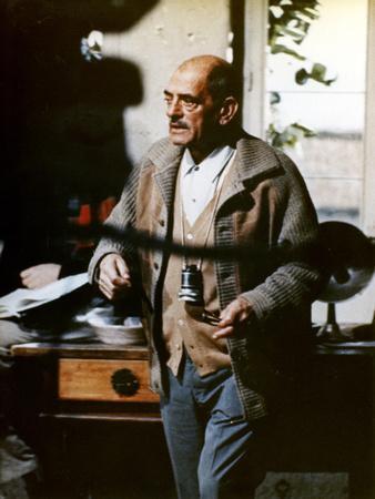 Le realisateur Luis Bunuel sur le tournage du film Tristina, 1970 On the set, Luis Bunuel, director