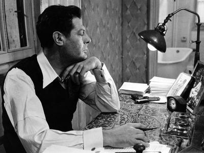 Une Journee Particuliere by Ettore Scola with Marcello Mastroianni, 1977 (b/w photo)