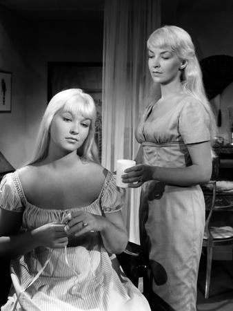 Toi... le venin Blonde by RobertHossein with Marina Vlady and Odile Versois, 1958 (b/w photo)