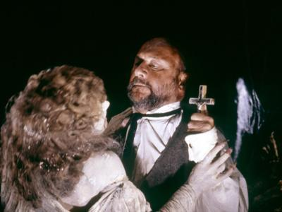 Dracula by JohnBadham with Janine Duvitski and Donald Pleasence, 1979 (photo)