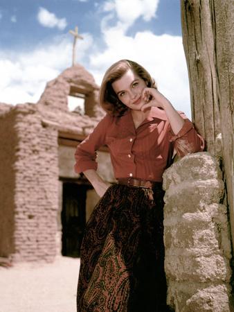 Angie Dickinson sur le tournage du film RIO BRAVO, 1959 film On the set, Angie Dickinson (photo)