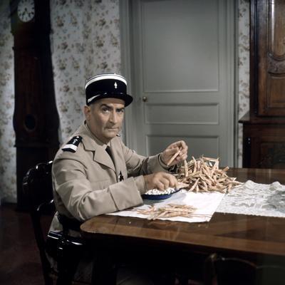Le Gendarme Se Marie (photo)