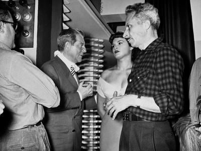 Jean Gabin and le realisateur Jacques Becker sur le tournage du film Touchez pas au Grisbi, 1953 (b