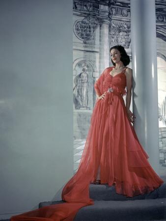 Loretta Young (photo)