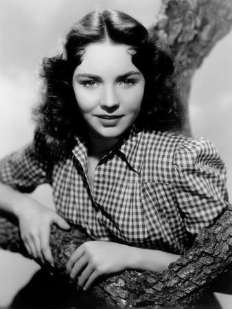 Jennifer Jones (photo)