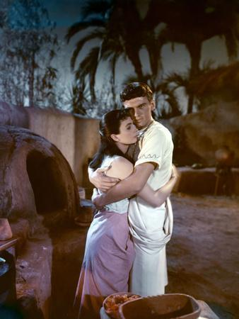 L'egyptien (THE EGYPTIAN) by Michael Curtiz with Jean Simmons and Edmund Purdom, 1954 (photo)