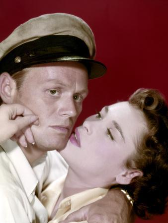Le demon des eaux troubles (Hell and High Water) by Samuel Fuller with Richard Widmark and Bella Da