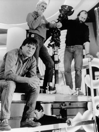 Terry Gilliam sur le tournage du film Brazil, 1985 On the set, Terry Gilliam (b/w photo)
