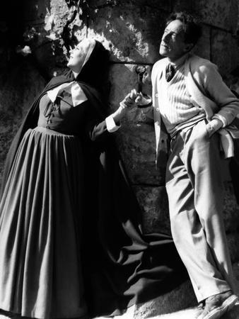Josette Day and le realisateur Jean Cocteau sur le tournage du film La Belle and la Bete en, 1946 (