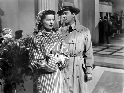 Lame by fond UNDERCURRENT by VincenteMinnelli with Katharine Hepburn and Robert Taylor, 1946 (b/w p