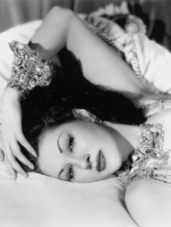 Yvonne by Carlo (1922 2007) actrice d'origine canadienne naturalisee americaine (b/w photo)
