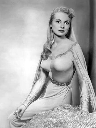 Le chevalier du roi ( The Black Shield of Falworth ) by RudolphMate with Janet Leigh, 1954 (photo)