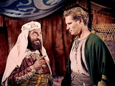 BEN-HUR, 1959 directed by WILLIAM WYLER Hugh Griffith and Charlton Heston (photo)