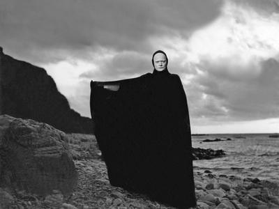 Le Septieme Sceau THE SEVENTH SEAL by Ingmar Bergman with Ekerot, 1957, death (b/w photo)